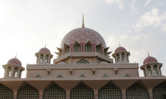 A photo of a Malaysian mosque, a source of Christian persecution.