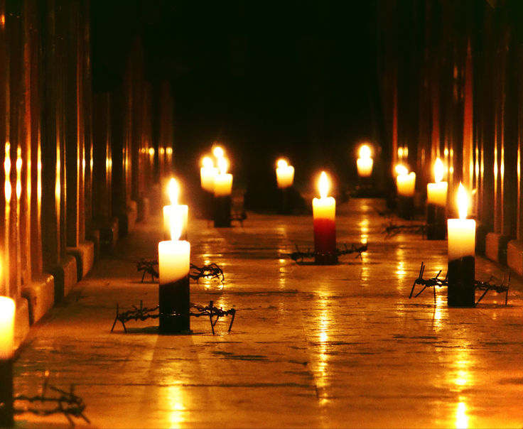 Syria_candles_church