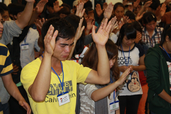 Photo of Christian worshippers in Vietnam, not afraid of Christian Persectution