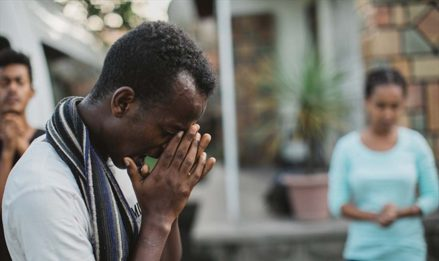 Cross Draws Ethiopian Muslim to Christ–Secret Faith Brings Peace in Midst of Family's Vow to Kill Him