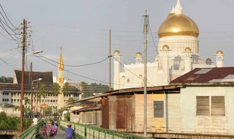 Brunei Adopts Sharia Law—Conversion From Islam Carries Death Penalty